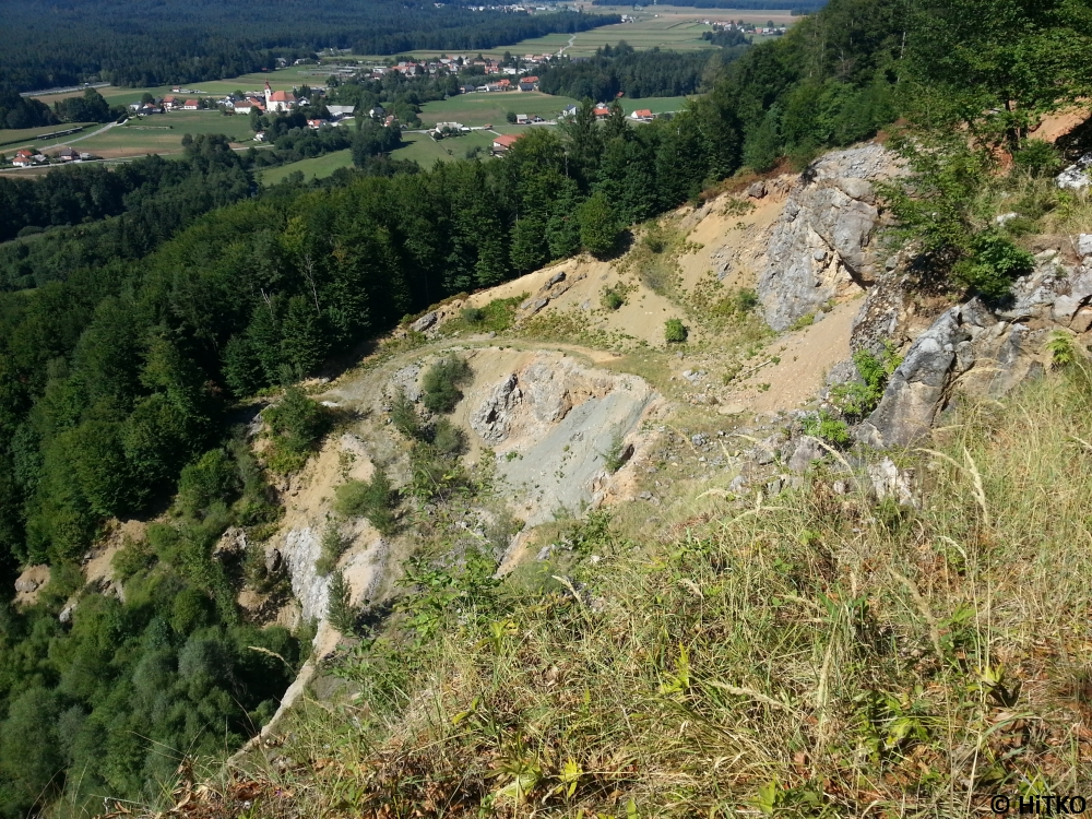 Left part of the quarry seen from the top